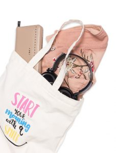 Khách hàng có thể sử dụng chiếc túi này để đựng nhiều vật dụng trong cuộc sống