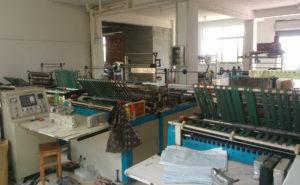 Kỹ thuật sản xuất túi vải bố may viền là sự kết hợp giữa thủ công và máy móc hiện đại