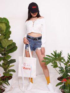 Túi vải bố in chữ thời trang vừa mang tính hữu dụng cao, vừa giúp chủ nhân thể hiện cá tính với những nét riêng của mình