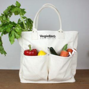 Túi vải bố đựng hoa quả, trái cây ngày càng được sử dụng phổ biến và gần như trở thành đặc điểm nhận biết của mỗi thương hiệu.