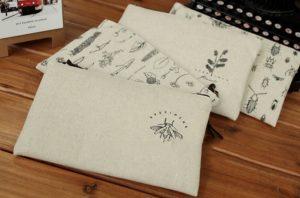 Với chiếc túi đựng đồ trang điểm được làm từ vải bố tại Trí Việt sẽ giúp chúng ta có thể tự tin trong bất cứ hoàn cảnh nào.