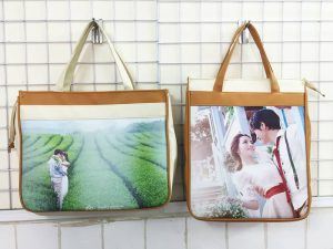 Túi vải bố đựng album ảnh cưới vừa giúp bảo vệ những tấm hình cưới của bạn vừa là một kênh marketing hiệu quả, tiết kiệm chi phí