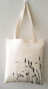 Túi vải bố dạng dẹt là giải pháp hoàn hảo cho các bạn để giải quyết vấn đề những đồ đạc cần mang theo