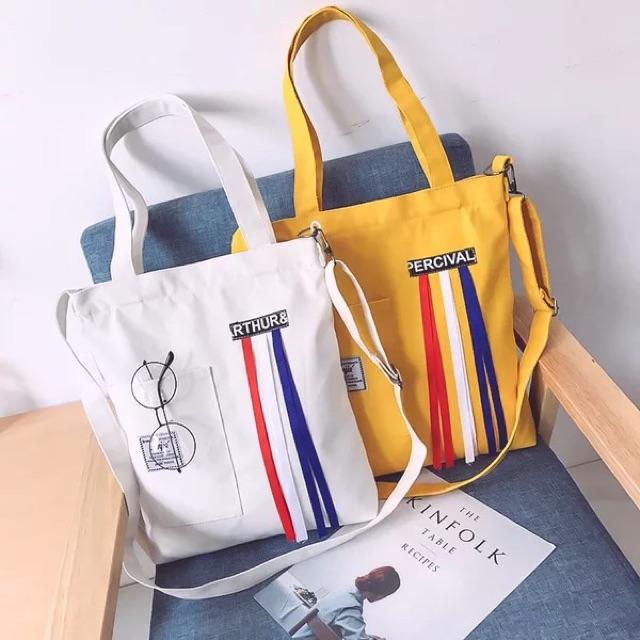 Những chiếc túi vải bố với nhiều màu sắc khác nhau trở thành một điểm nhấn ấn tượng, được nhiều cá nhân hay doanh nghiệp tin dùng sử dụng.
