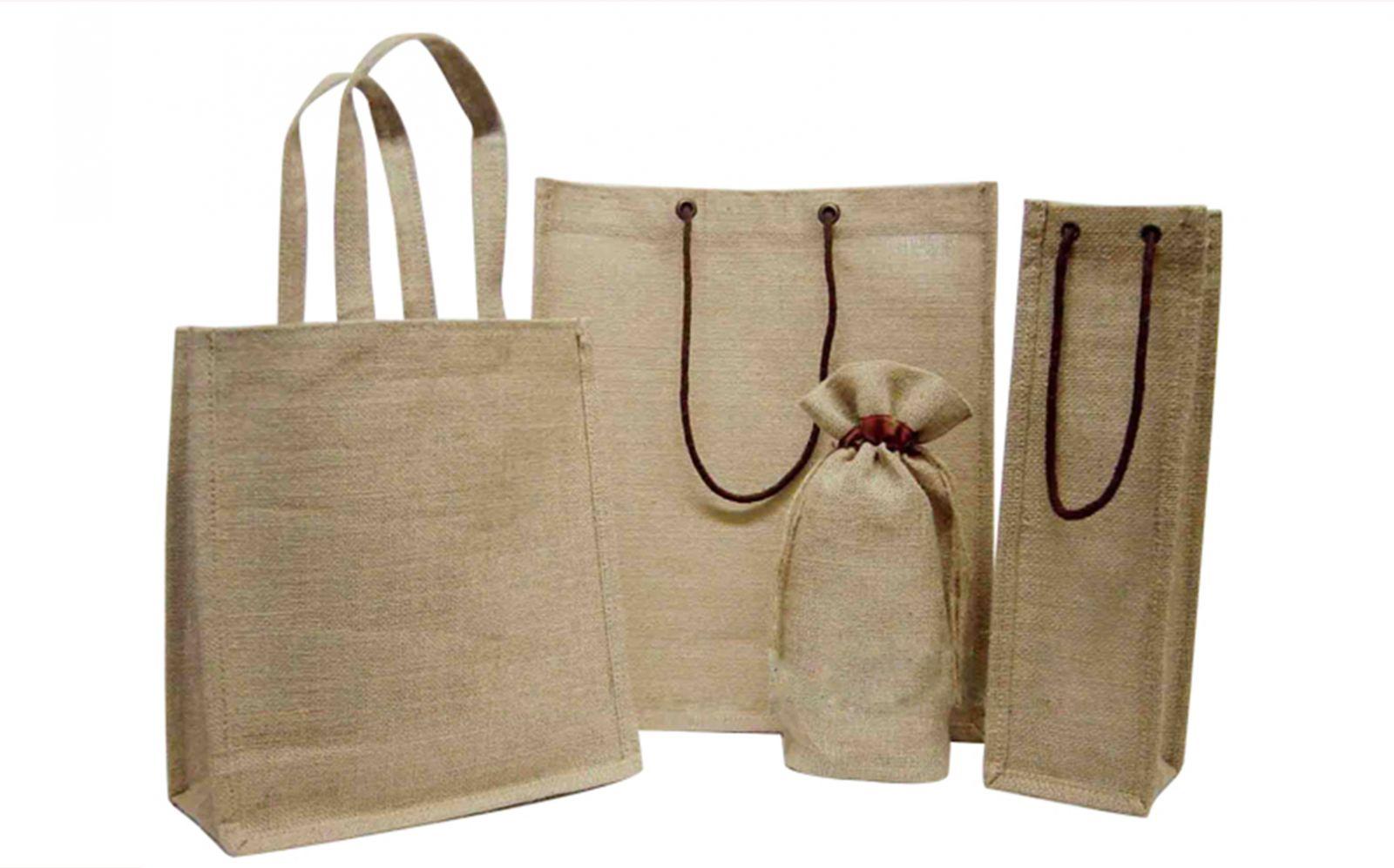 Túi vải đay Trí Việt chuyên thiết kế, in ấn, sản xuất túi vải đay chất lượng, mẫu mã đẹp và theo yêu cầu của khách hàng.