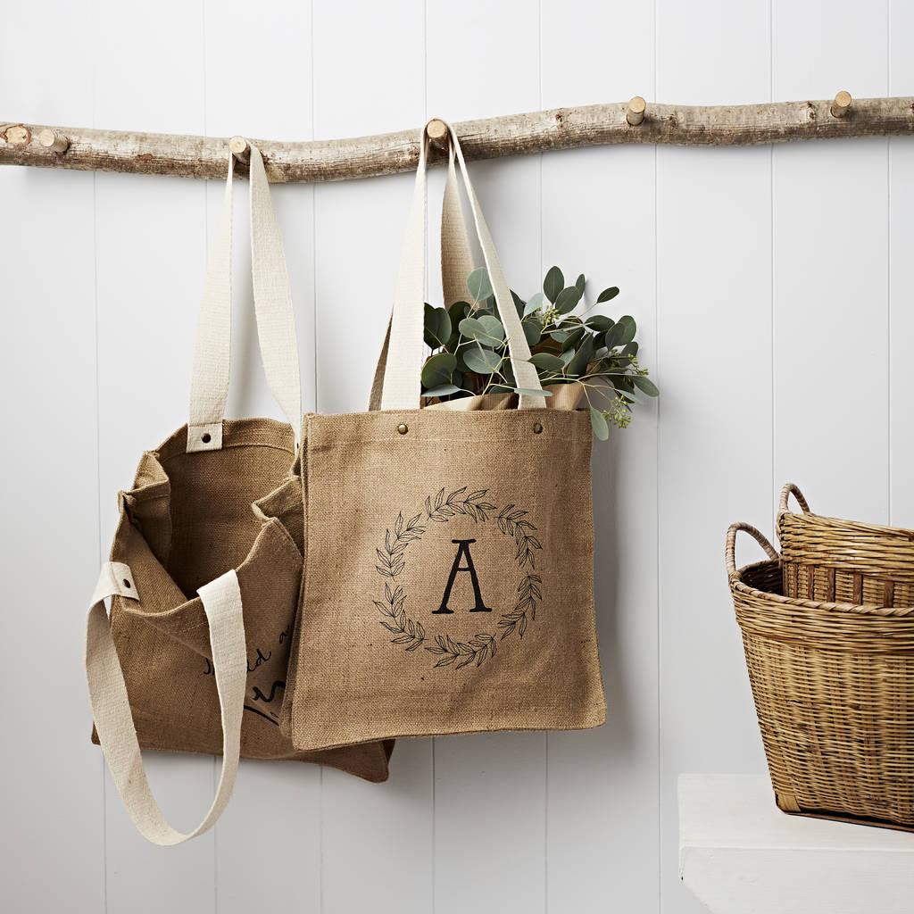 Ứng dụng của túi vải đay rất thực tế giúp cho chúng có mặt hầu hết mọi nơi, mọi gia đình.
