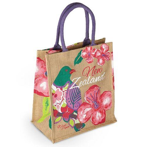 Phối màu khi in túi vải đay tăng độ thẩm mỹ cho sản phẩm và tạo sự ấn tượng, khác biệt với những chiếc túi khác