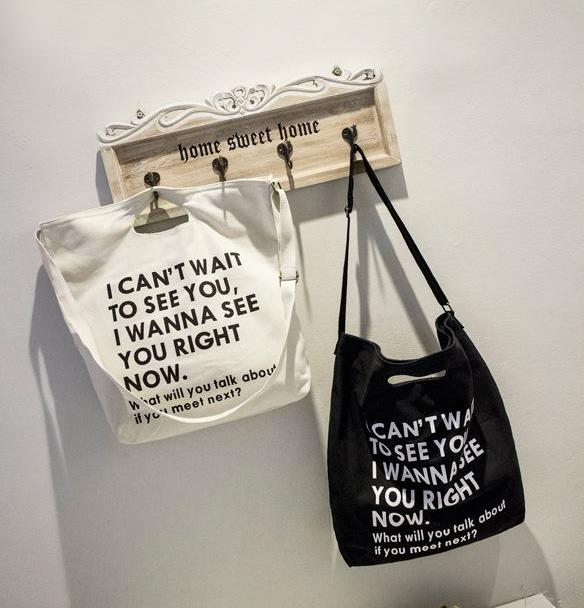 Túi dạng đục lỗ tay cầm khá gọn nên có rất nhiều doanh nghiệp lựa chọn để sử dụng với nhiều mục đích khác nhau.