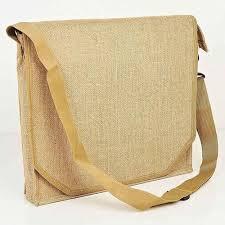 Một chiếc túi vải đay đeo chéo có thể mang theo rất nhiều thứ cùng với mẫu mã hiện đại