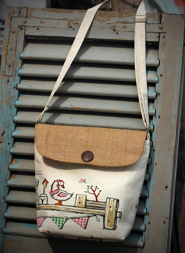 Túi đeo chéo vải bố đa dạng về mẫu mã, đáp ứng nhu cầu sử dụng của nhiều người với nhiều mục đích khác nhau