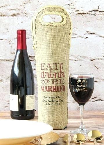Túi vải bố đựng rượu có ưu điểm bền chắc, sử dụng nhiều lần mà không mất đi phong cách thiết kế sang trọng, thẩm mỹ của sản phẩm