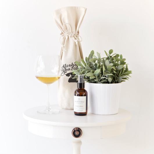Lựa chọn chiếc túi vải dây rút đựng rượu cực kì đẹp.