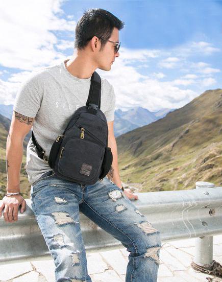 Ưu điểm của túi vải bố đeo chéo cao cấp là vừa mang lại nét đẹp nổi bật, sang trọng cho người sử dụng lại vừa thân thiện với môi trường