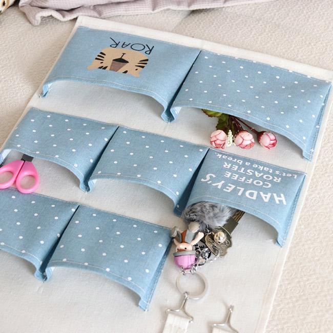 Túi vải bố treo tường giúp lưu trữ đồ đạc, vật dụng gọn gàng, ngăn nắp và đặc biệt là tiết kiệm không gian.