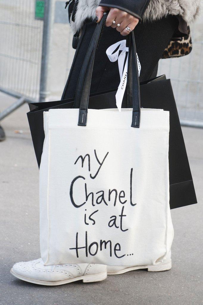 Túi vải bố là công cụ không thể thiếu để làm cho thương hiệu lan tỏa nhanh chóng, bay cao và bay xa hơn