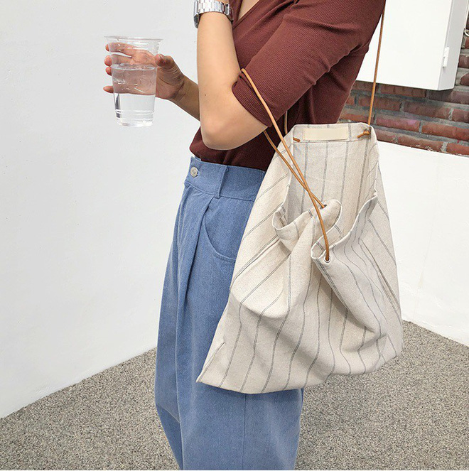 Cần lưu ý tới nhu cầu sử dụng và khả năng tài chính để chọn kiểu dáng túi phù hợp và tận hưởng các tiện ích mà mẫu túi này mang lại.