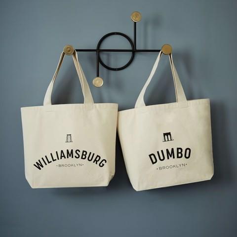 Với mức giá thành cạnh tranh và hợp lý, túi xách vải bố với khóa bằng nam châm đang được sử dụng rộng rãi, sẽ là người bạn đồng hành tuyệt vời cho các bạn.