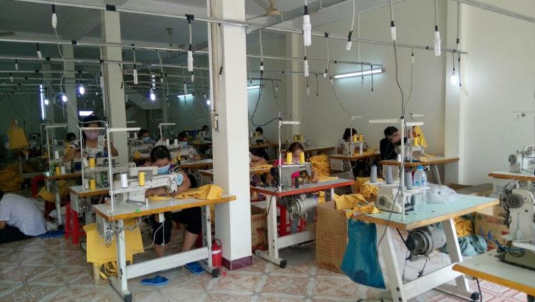Chọn một đơn vị cung cấp uy tín và chuyên nghiệp là điều cốt lõi quyết định tới giá cả hợp lý và chất lượng cao của túi canvas khi đưa vào sử dụng