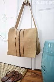 Nhắc đến dòng sản phẩm túi vải bố handmade, hầu hết các bạn trẻ cá tính đều rất yêu thích và săn lùng.