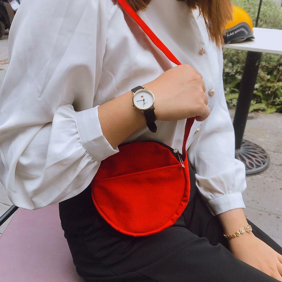 Túi vải Canvas đeo chéo với màu sắc vô cùng nổi bật và được thiết kế theo phong cách tiện dụng