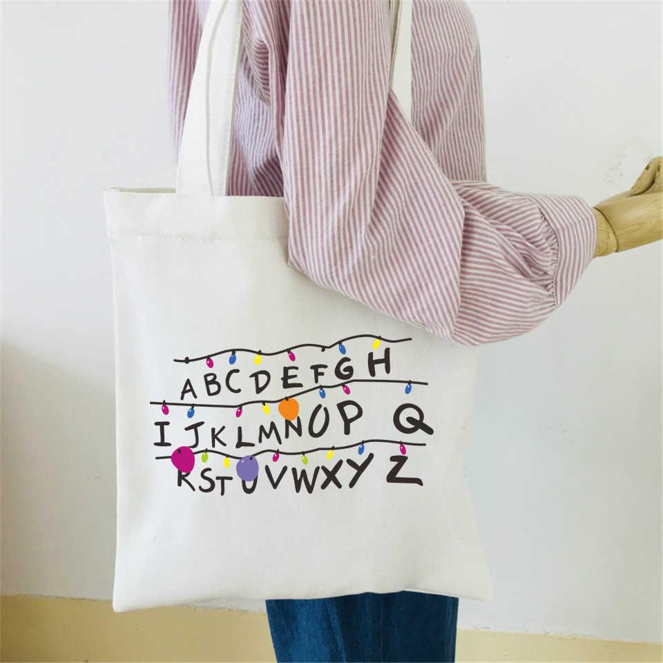 Túi canvas in bảng chữ cái mang lại tiện ích và giúp người sử dụng rảnh tay và năng động hơn