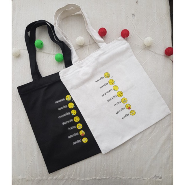 Túi canvas in các ngày trong tuần mang lại tiện ích và giúp người sử dụng rảnh tay và năng động hơn