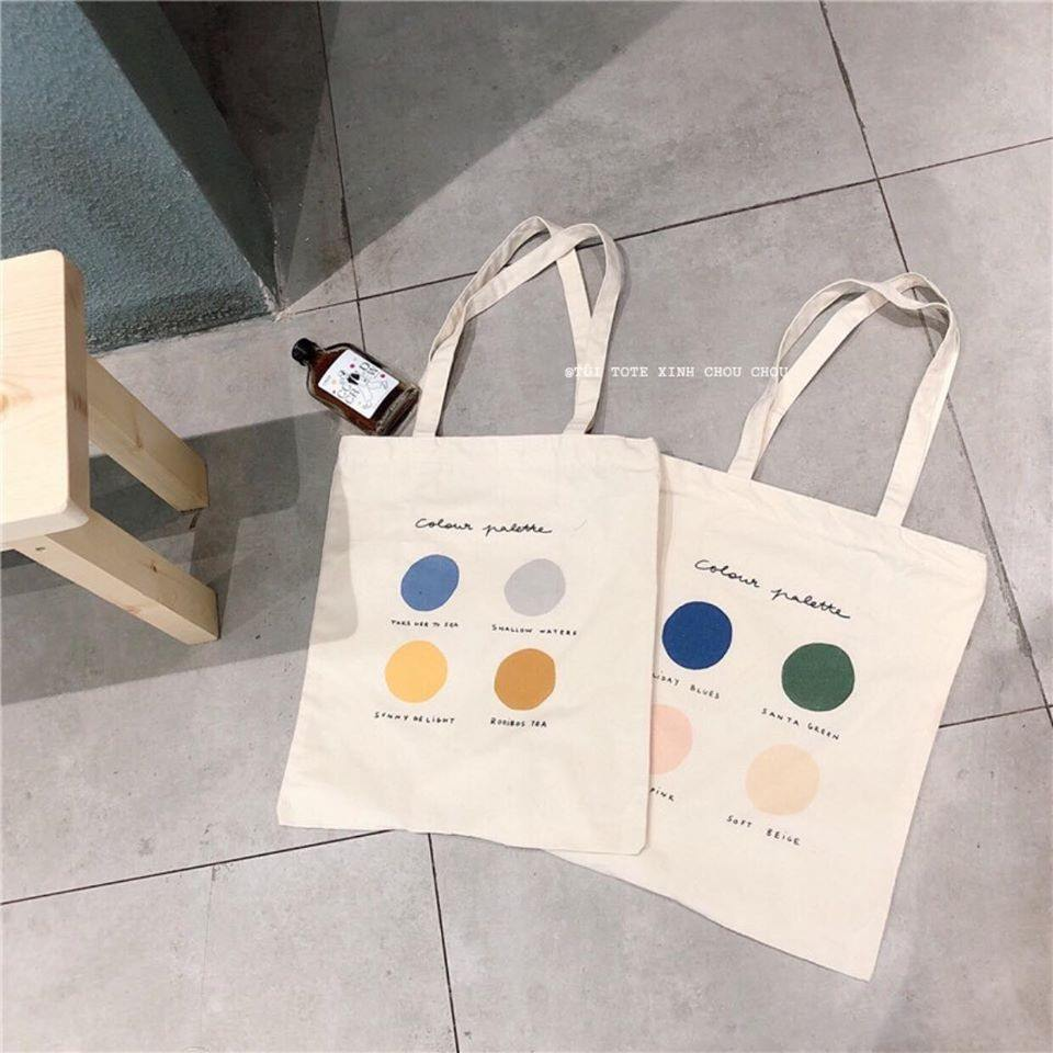 Nhắc đến sản phẩm túi vải canvas màu trắng hầu hết các bạn đều cảm thấy quen thuộc bởi đây là vật dụng có rất nhiều lợi ích đặc biệt