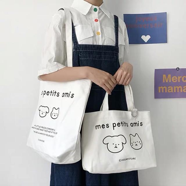 Với túi vải canvas màu trắng khách hàng không sợ túi bị bẩn mất giá trị vì túi có thể giặt được