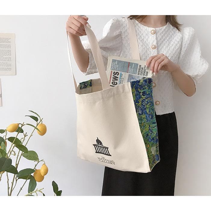 Túi xách vải canvas vintage với thiết kế thông minh và tiện dụng, giúp bảo quản đồ đạc bên trong uôn được sạch sẽ, tránh mọi bụi bẩn