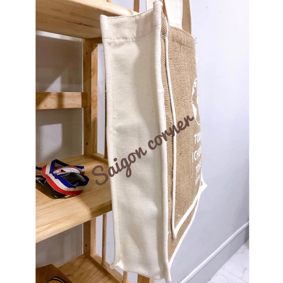 Ngoài là một chiếc túi xách thời trang ấn tượng thì túi vải đay còn được sử dụng với các mục đích khác nhau
