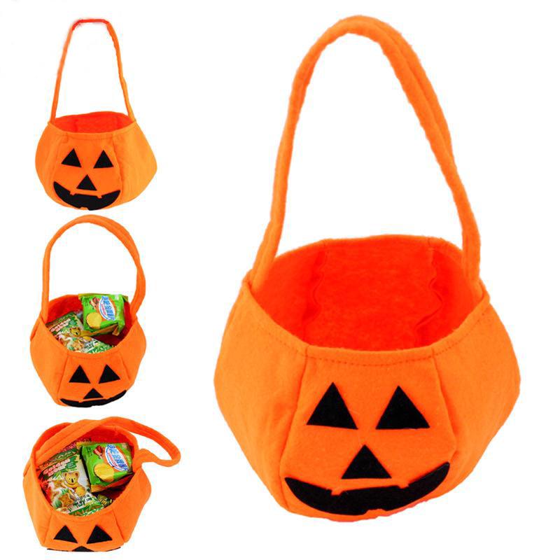 Với chủ đề Halloween, trẻ em sẽ yêu thích các túi hình quả bí ngô để đựng kẹo này