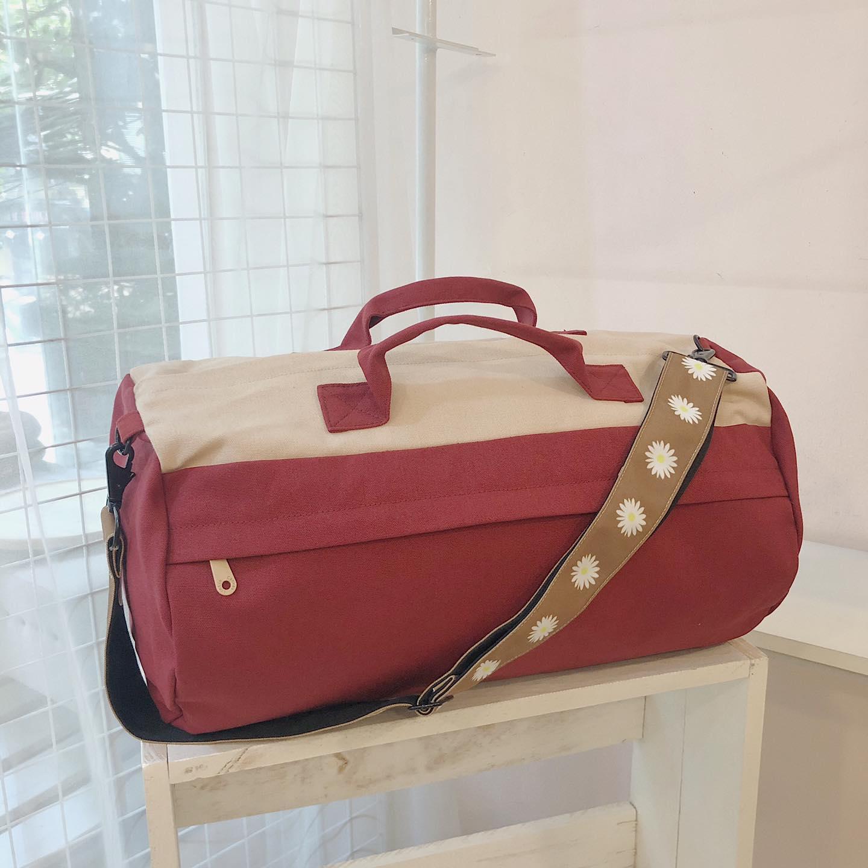 Túi trống canvas không chỉ mang đến độ bền, tiện ích mà còn mang đến tính thẩm mỹ, tinh tế cao.