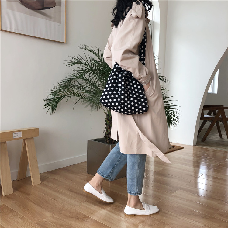 Túi vải canvas chấm bi nhẹ nhàng, đơn giản mà vẫn trẻ trung, năng động