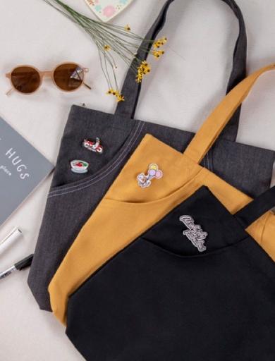 Túi tote canvas như một chiếc túi thần kỳ giúp bạn có thể mang theo mọi thứ