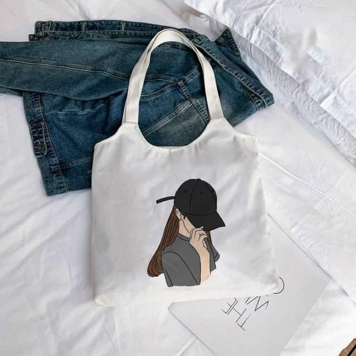 Với các ưu điểm nổi bật, túi tote bầu canvas là một lựa chọn thông minh cho các cô nàng yêu thích sự giản dị, nữ tính