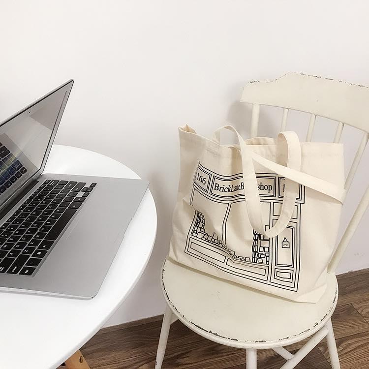Túi tote canvas oversize tiện lợi, mang lại 1 phong cách rất riêng dành cho bạn, đáp ứng nhiều nhu cầu sử dụng khác nhau