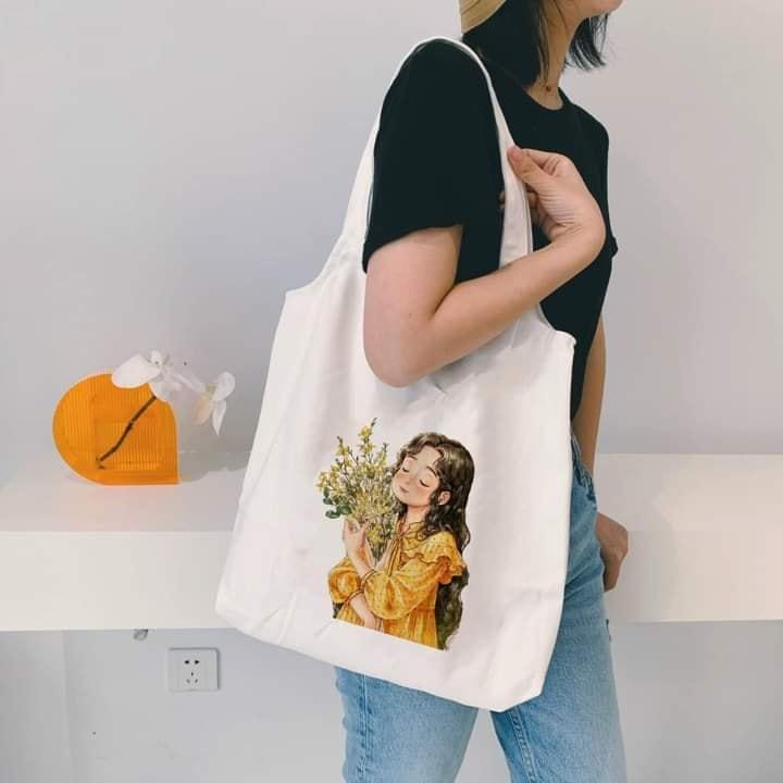 Sử dụng túi vải canvas tote bầu vừa thuận tiện vừa thời trang cũng là góp phần bảo vệ môi trường sống của chúng ta