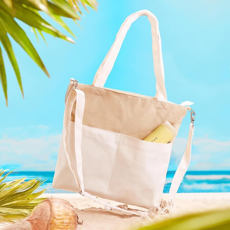 Túi đeo chéo canvas phối màu thời trang mang những năng lượng tích cực, tiện ích khi sử dụng