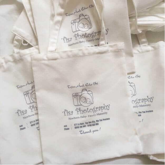 Với chiếc túi vải này, khách hàng sẽ rất ấn tượng về sự chuyên nghiệp cũng như khâu chuẩn bị chu đáo của studio.