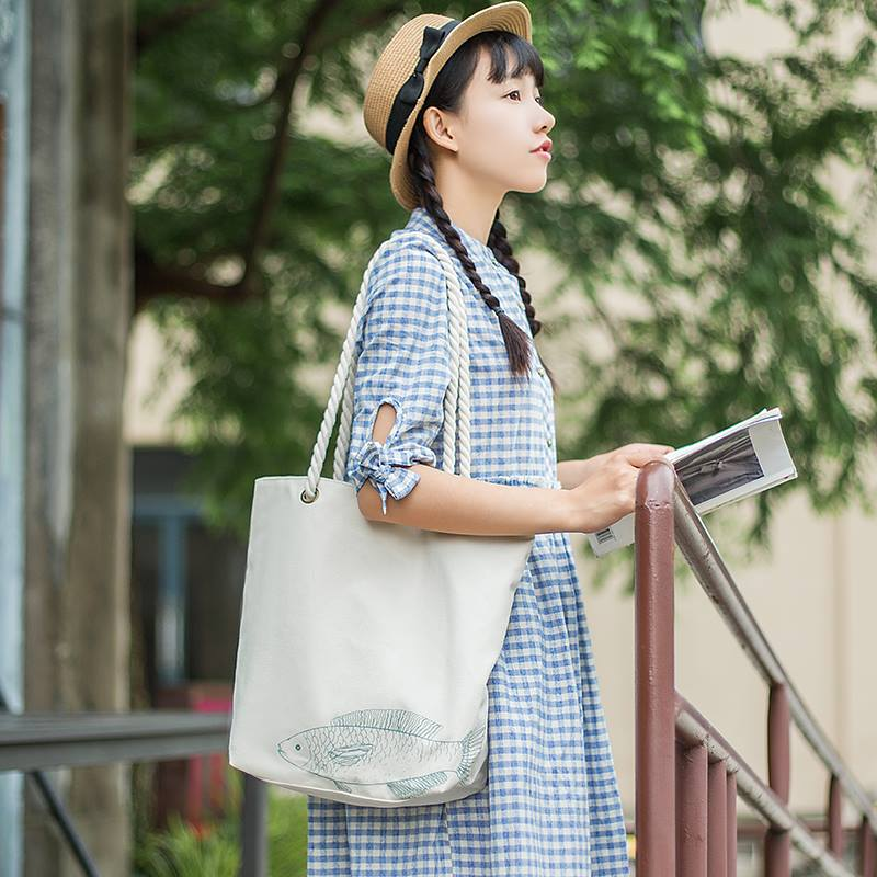 Người dùng luôn tin tưởng dùng túi vải canvas cho mọi trang phục trong mọi hoàn cảnh sử dụng vì tiện ích và tính thẩm mỹ