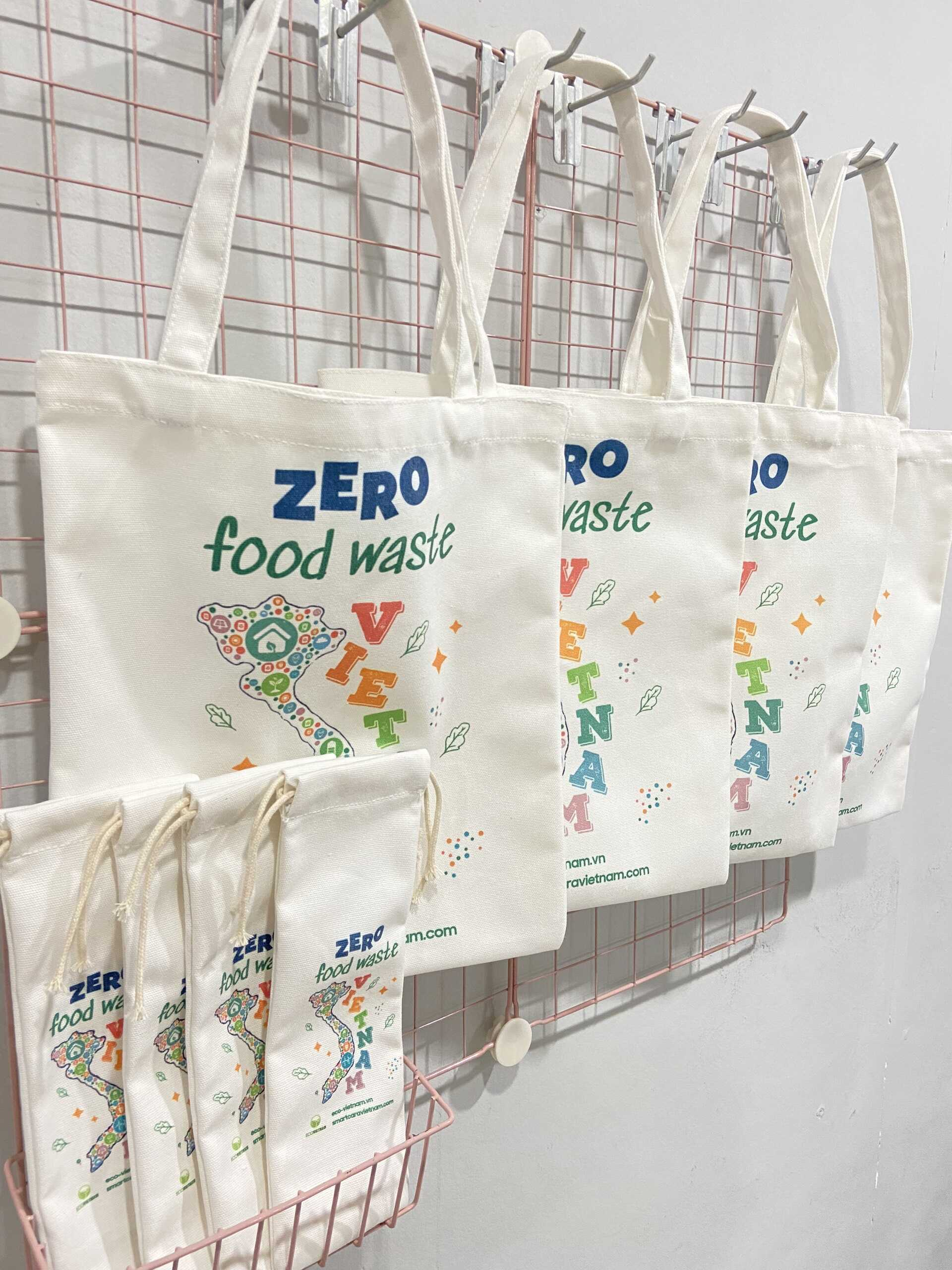 Túi vải canvas in thông điệp hay là quà tặng doanh nghiệp sẽ mang lại cho các công ty một giải pháp marketing hiệu quả và tiết kiệm chi phí