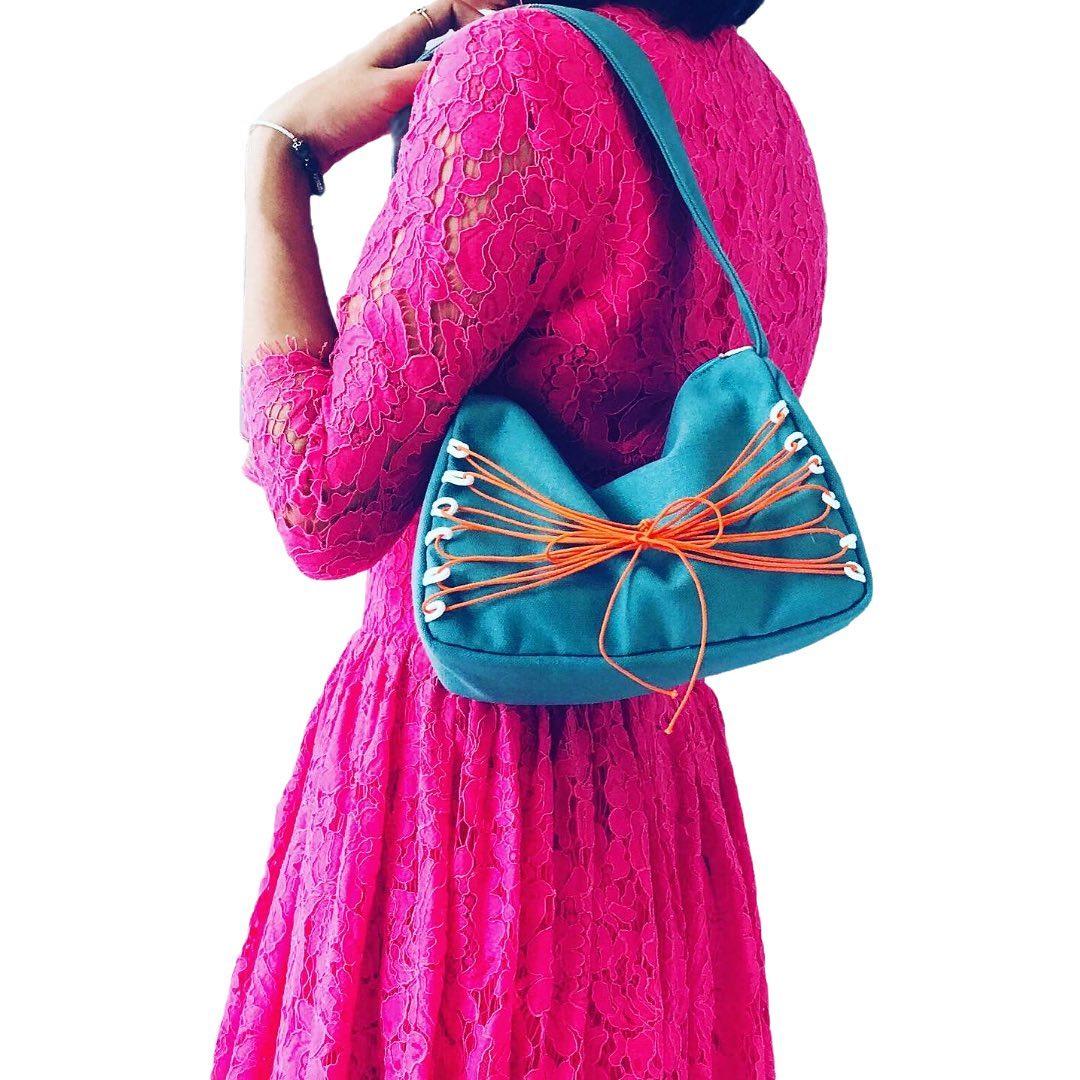 Túi xách canvas mini hội tụ đủ 3 yếu tố mà người tiêu dùng hay quan tâm nhất: Thời trang, chất lượng và giá cả.