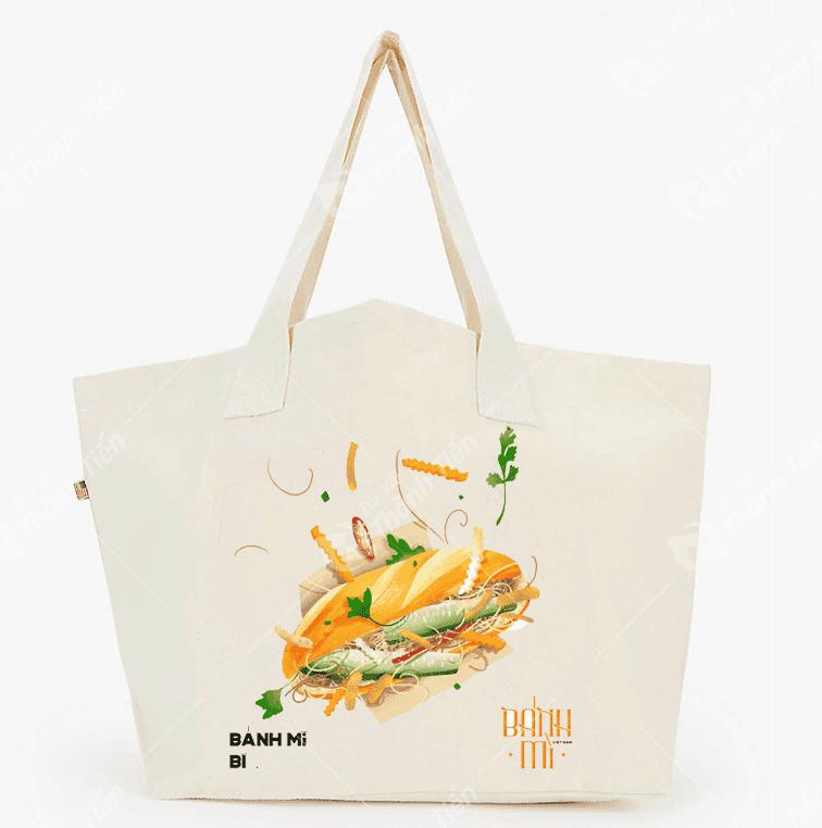 Những chiếc túi canvas với hình ảnh chiếc bánh mỳ gần gũi đang rất được lòng các bạn trẻ hiện nay